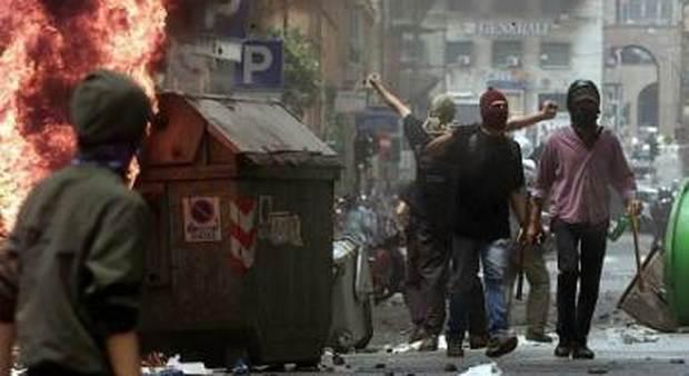 Black bloc a Genova nel 2001