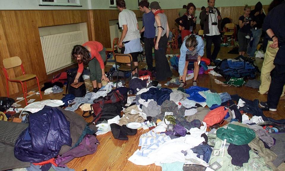 Scuola Diaz di Genova il 21 luglio 2001